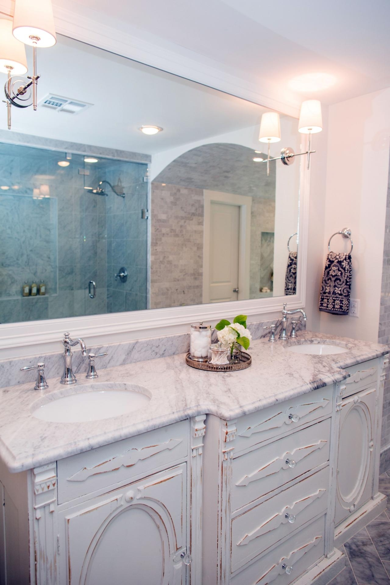 5 Things Every Fixer Upper Inspired Farmhouse Bathroom Needs Fixer Upper Bathroom Design