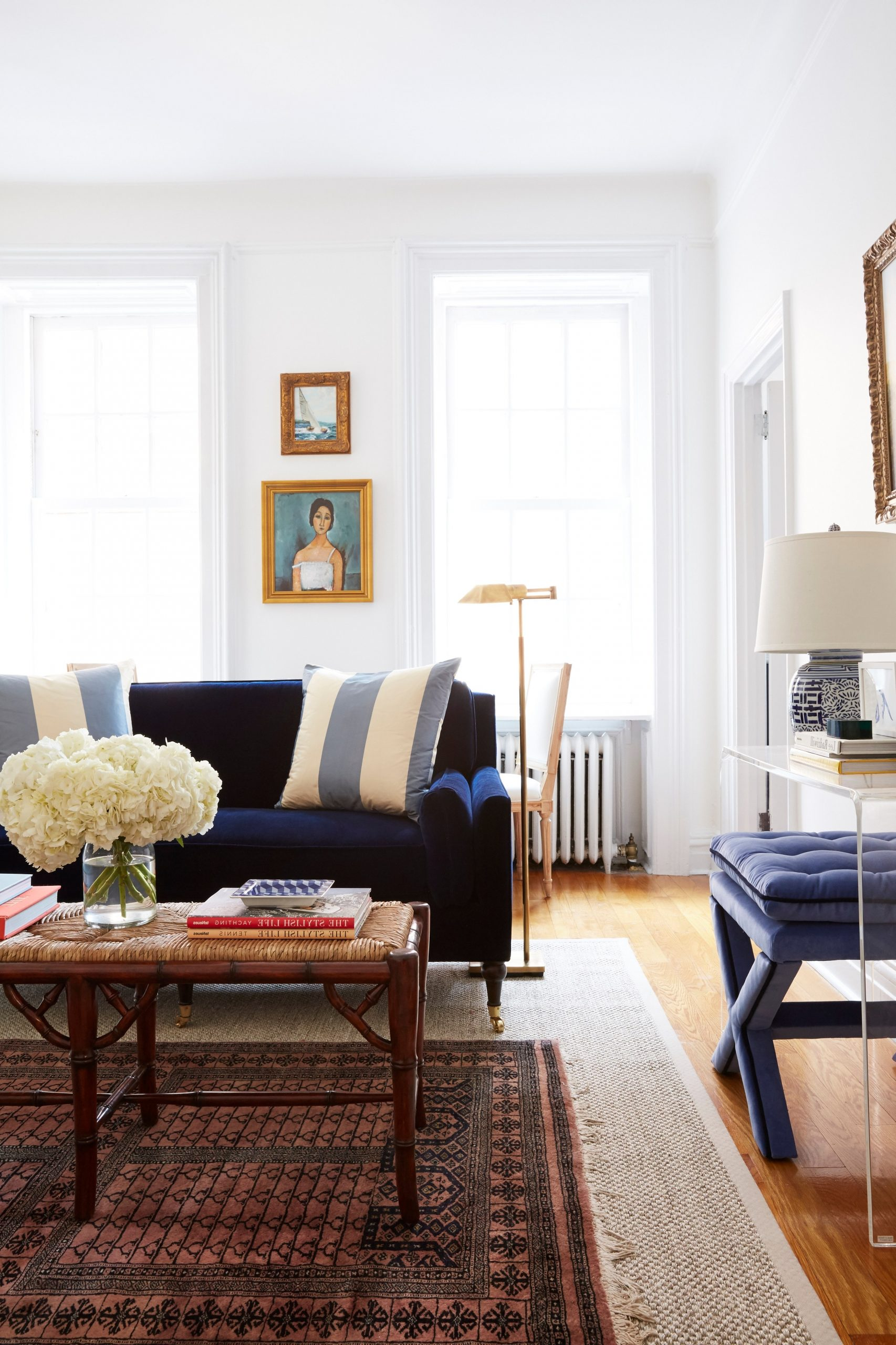 8 Small Living Room Ideas That Will Maximize Your Space 10+ Architectural Digest Small Living Room Ideas