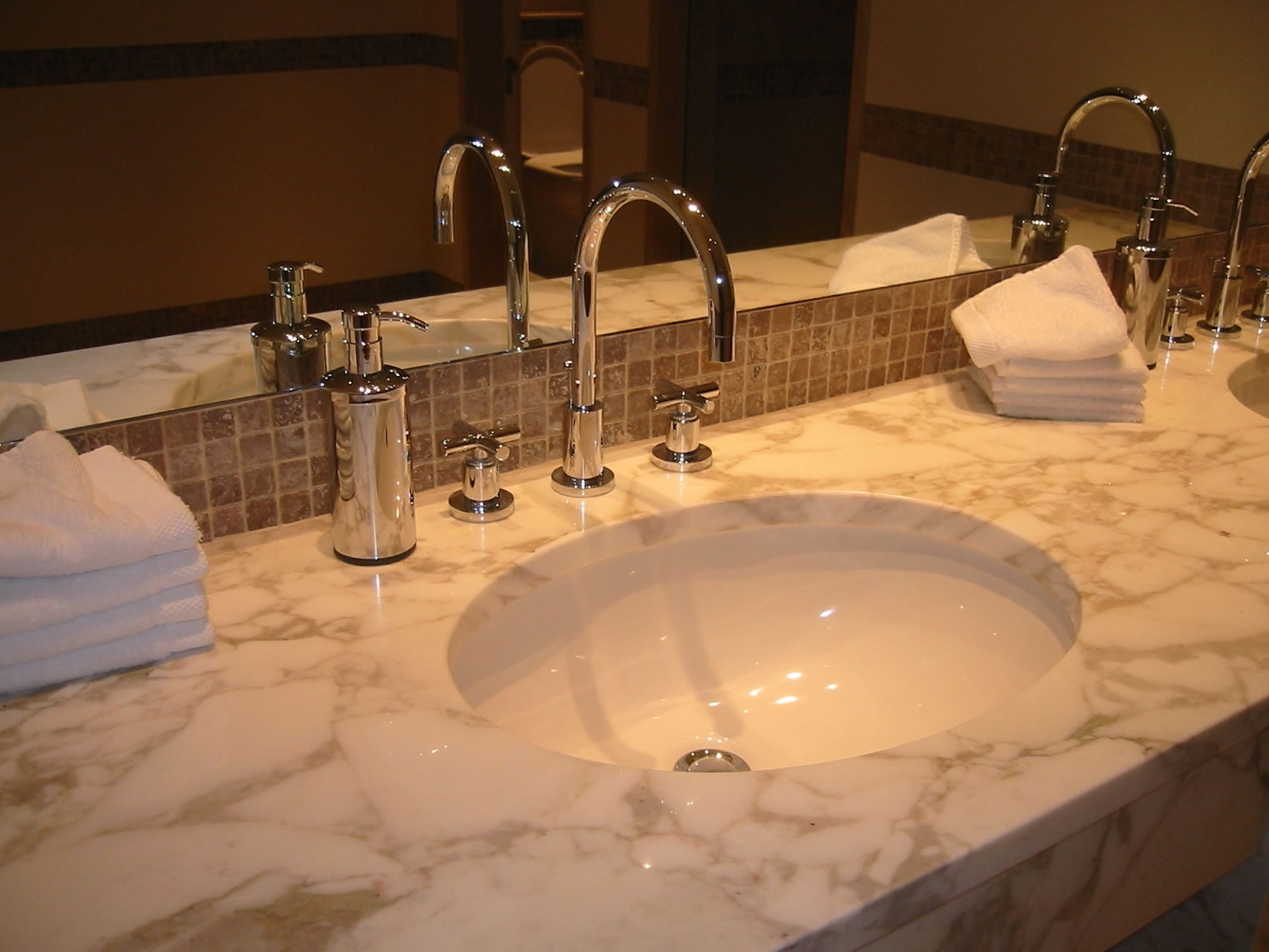 Bathroom Sinks – Common Types And Uses Vanity Designs For Bathrooms Pakistan
