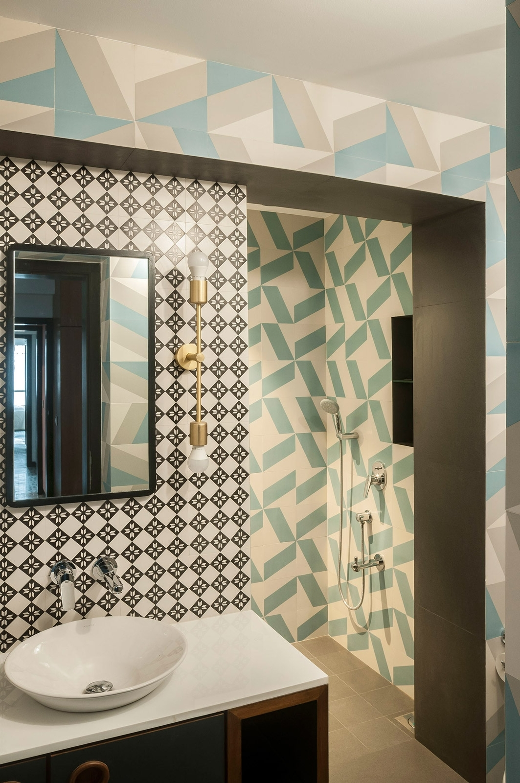 Bathroom Tiles: How To Make A Statement | Beautiful Homes Bathroom Highlighter