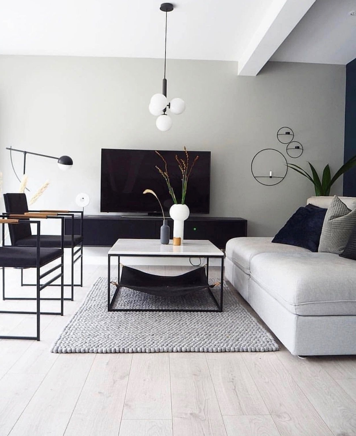 Beautiful Monochrome Living Room! The Clean Lines And Monochrome Living Room Decorating
