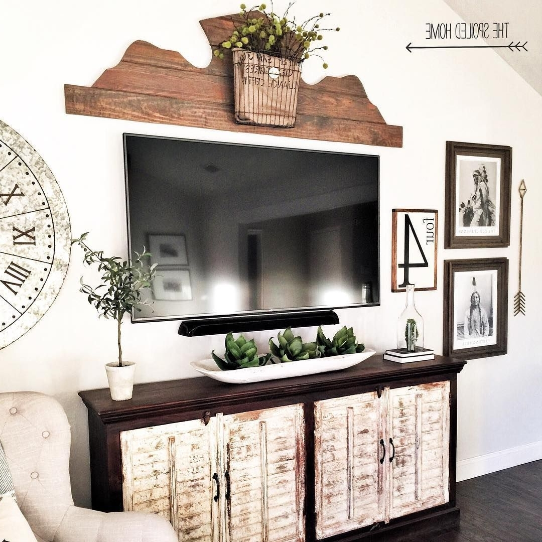 Best 25+ Wall Mounted Entertainment Center Concepts And 40+ Decorating Living Room With Flat Screen Tv Inspirations