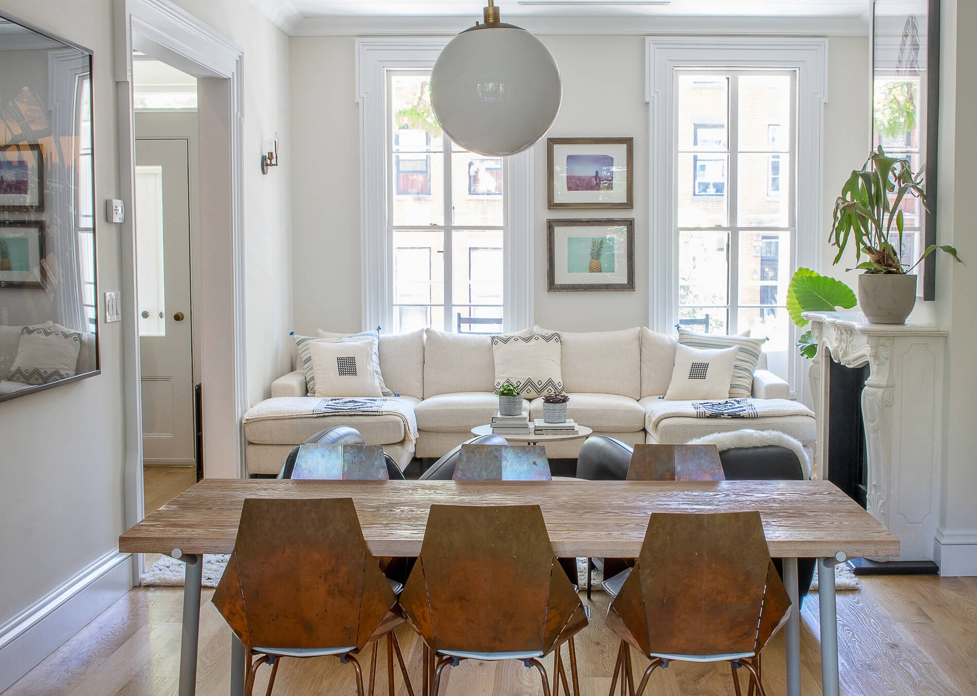 Best Pro Tips On How To Arrange Furniture In A Brownstone Brownstone Living Room Decorating
