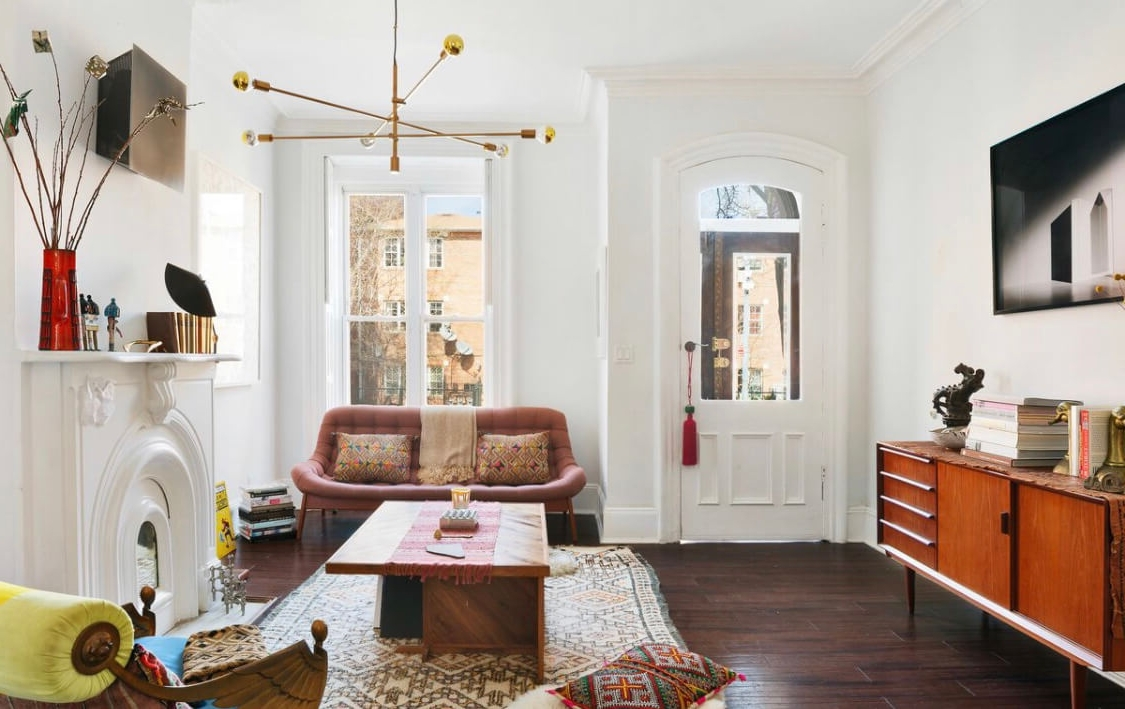 Brownstone Boys: Living In The Living Room | Brownstoner Brownstone Living Room Decorating