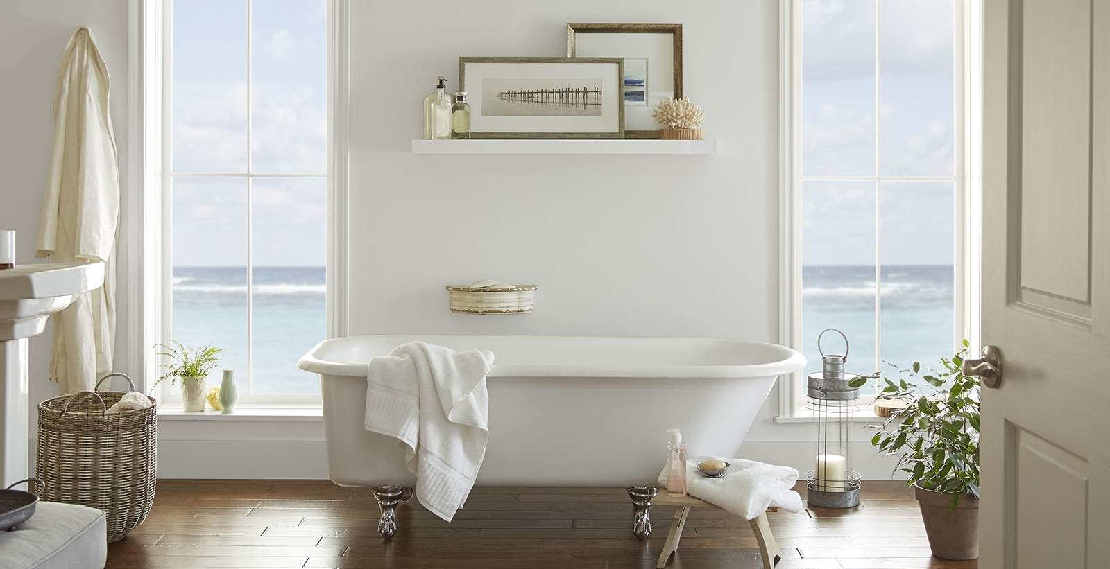 Casual Bathroom Ideas And Inspirational Paint Colors | Behr Behr Bathroom Color