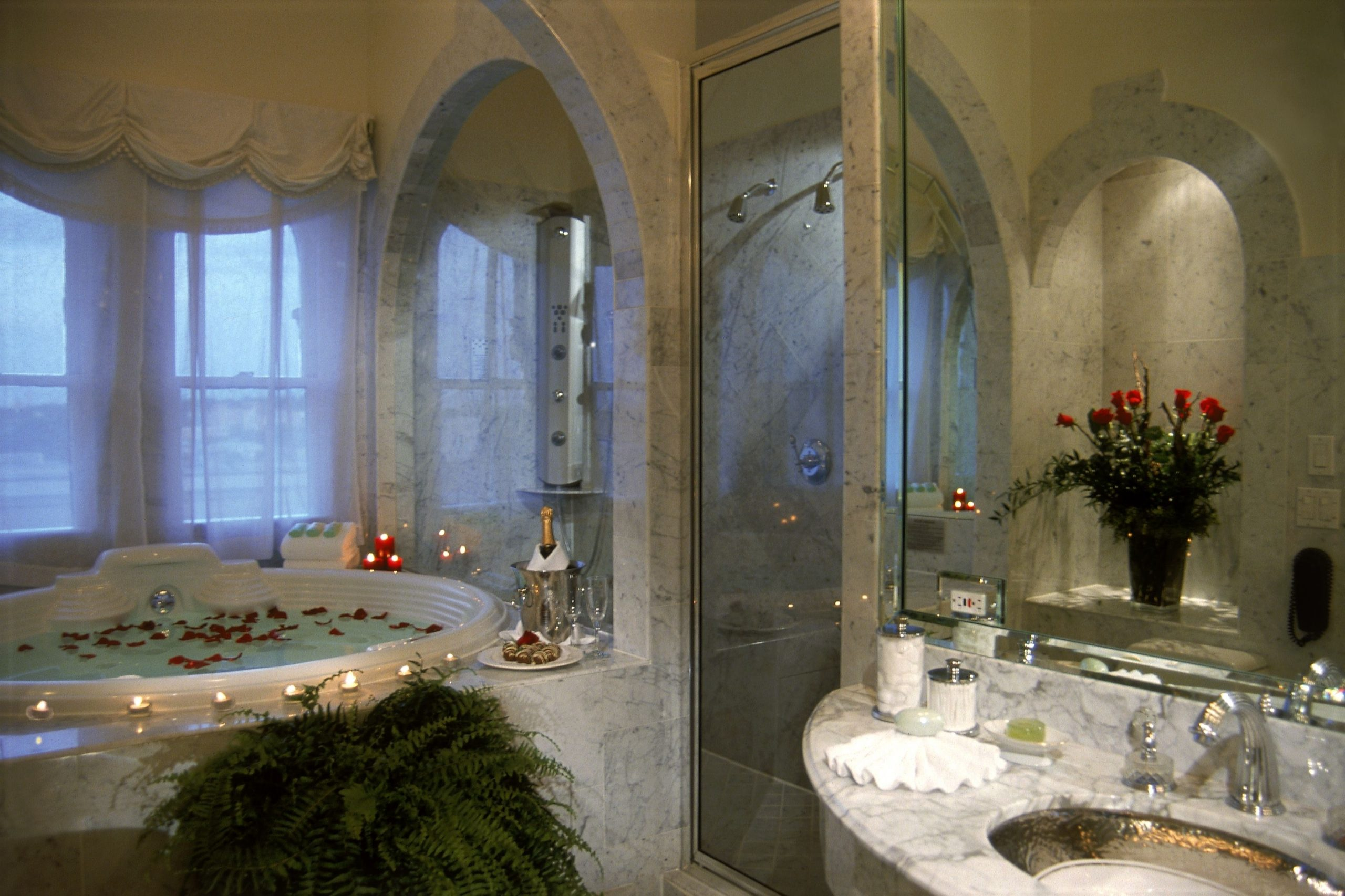 Champagne And Rose Petals In The Jacuzzi In The Renaissance 30+ Champagne Bathroom Suite Ideas