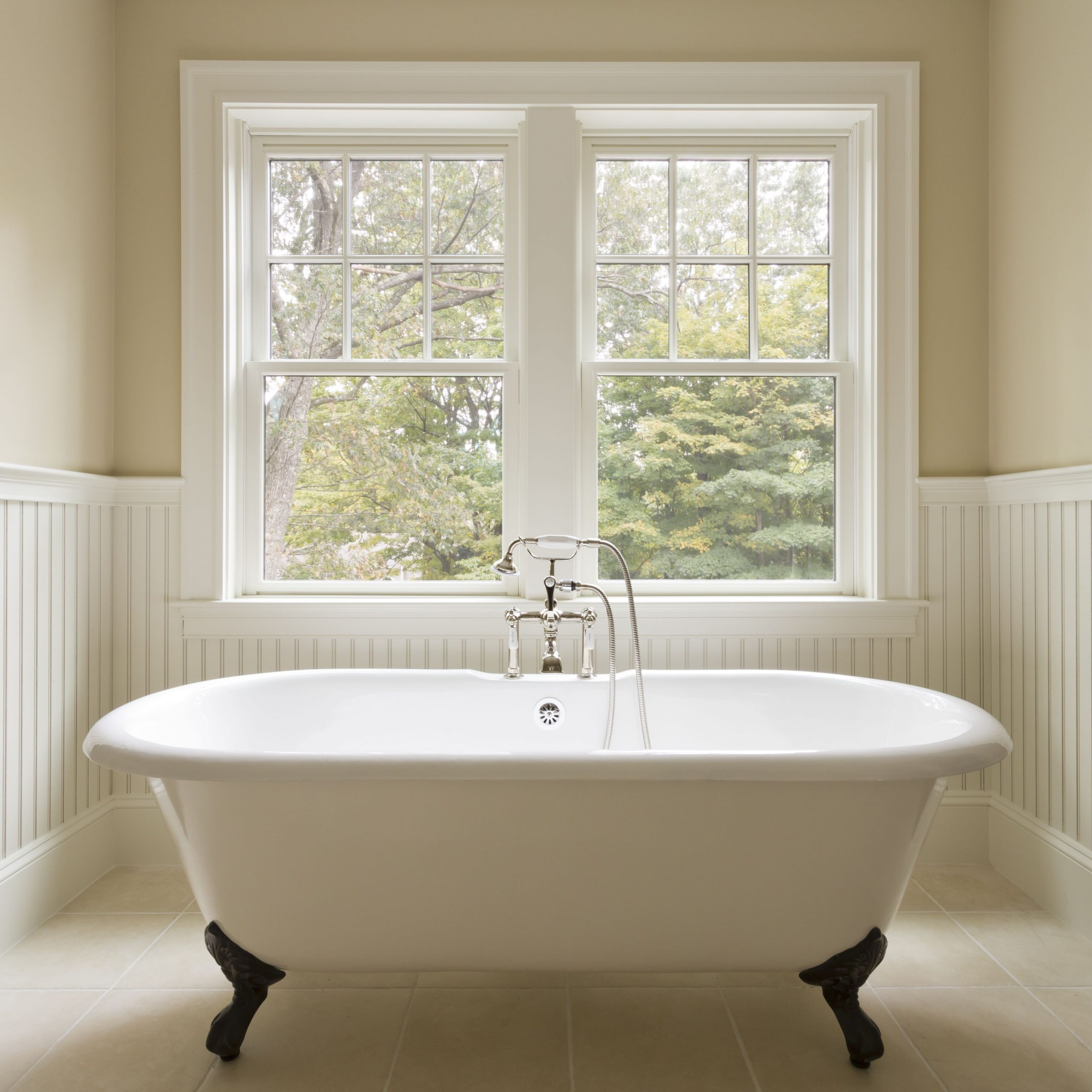 Claw Foot Tubs To Fit Your Space (And Budget) 40+ Cast Iron Tub Bathroom Design Inspirations