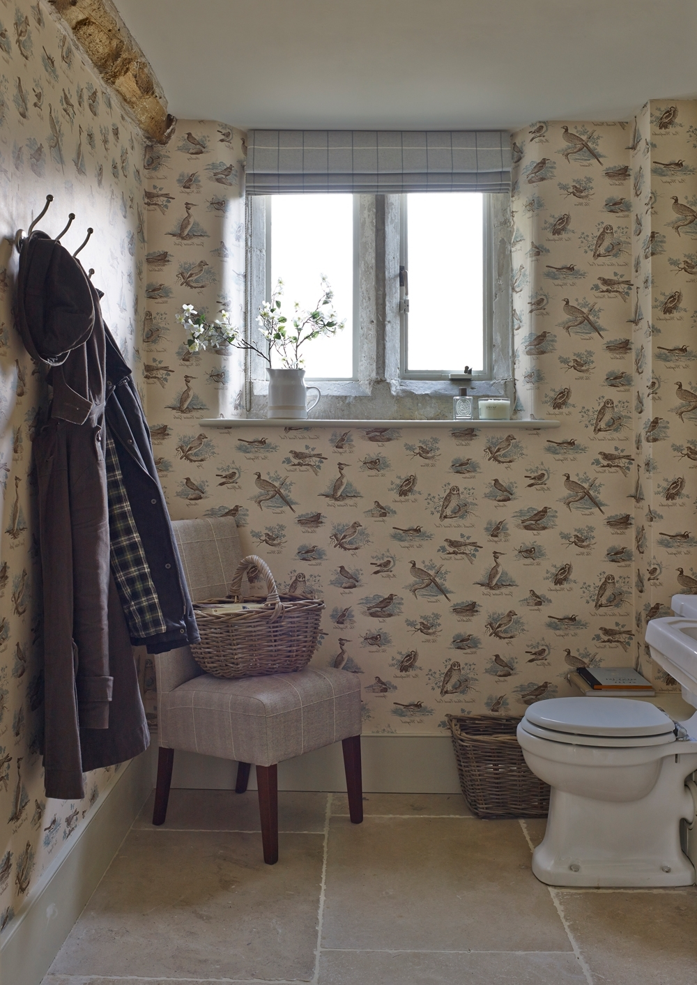 Cloakroom Ideas For Small Spaces – Downstairs Toilet Ideas 10+ Downstairs Bathroom Wallpaper Inspirations