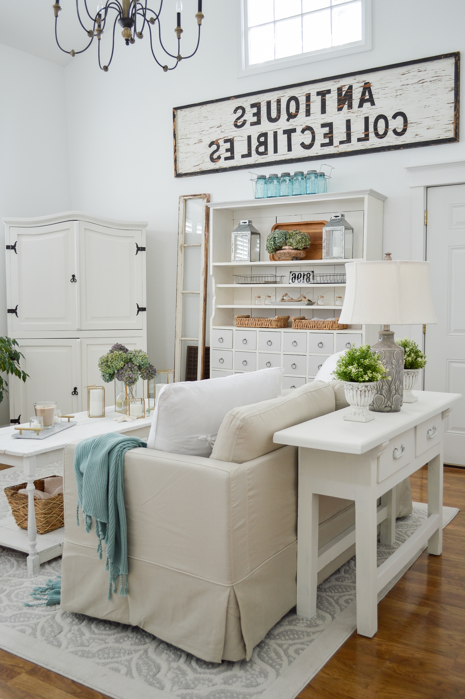 Collected + Cozy Cottage Living Room Makeover Fox Hollow Better Homes Living Room