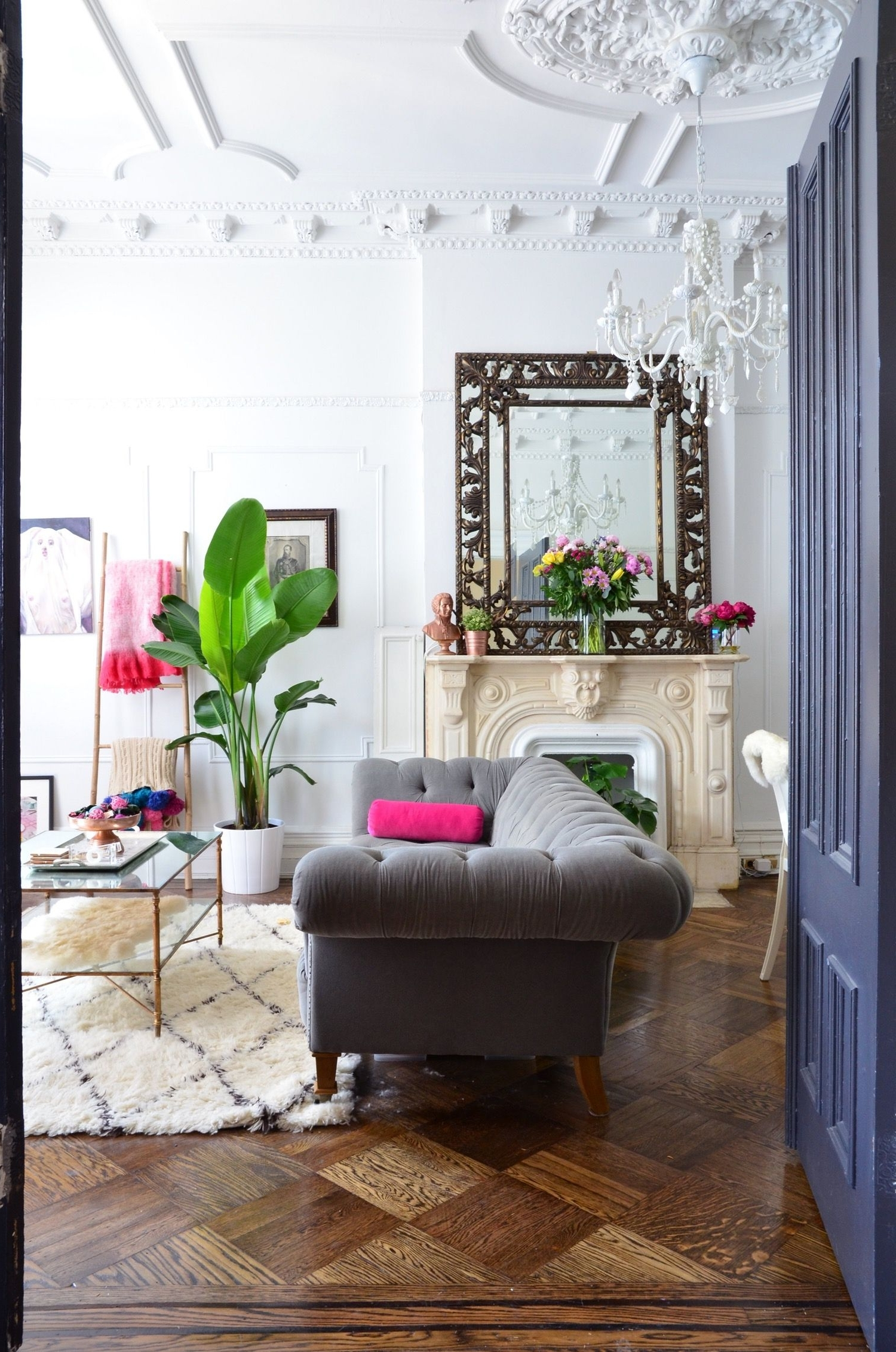 Dramatic Decor In A Traditional Brooklyn Brownstone 30+ Brownstone Living Room Decorating Inspirations
