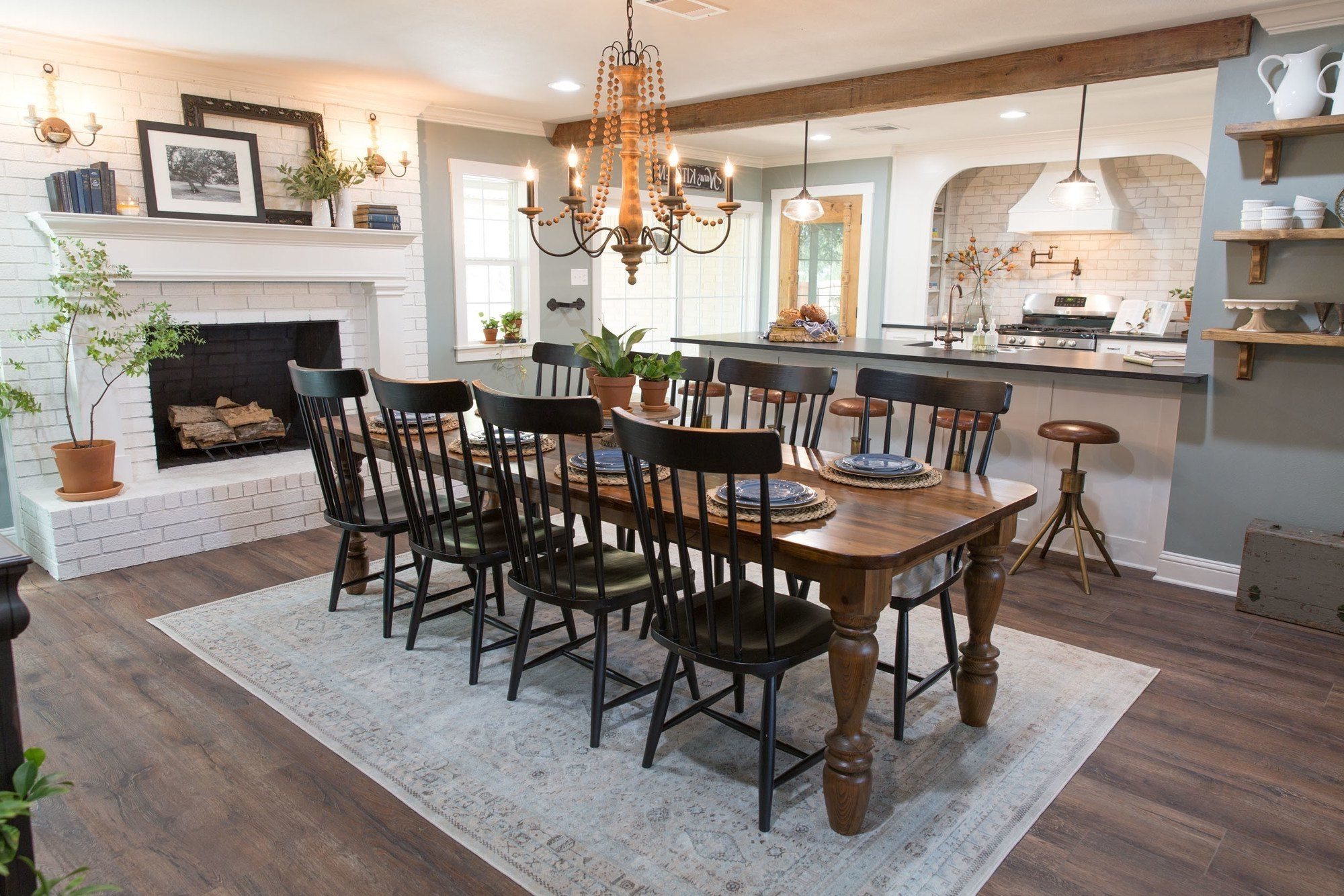 Episode 07 The Mexia Major House | Magnolia | Joanna Gaines Joanna Gaines Dining Room Decorating Ideas