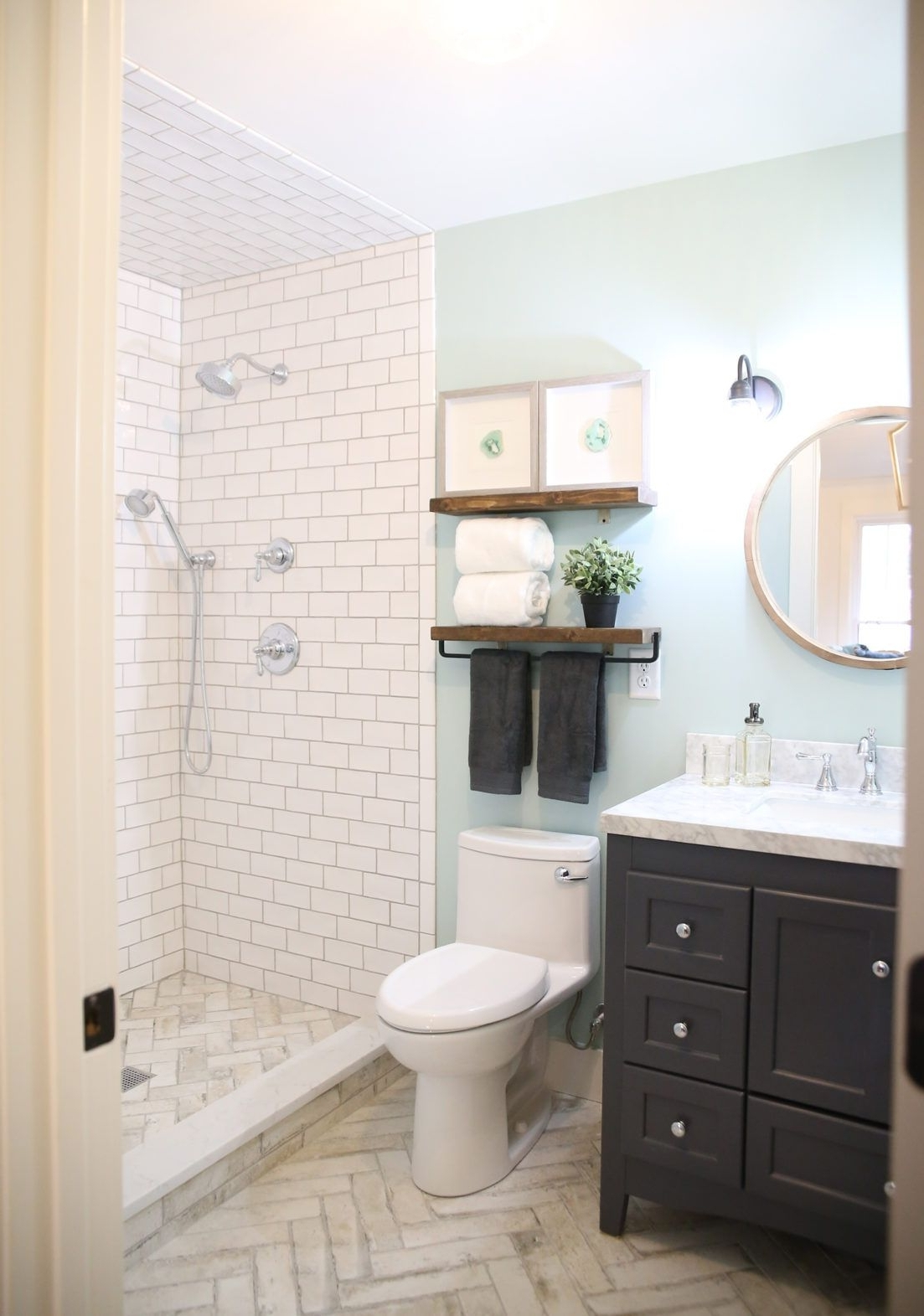 Garage To Airbnb A Multifunctional Space The Handmade 10+ Airbnb Bathroom Ideas