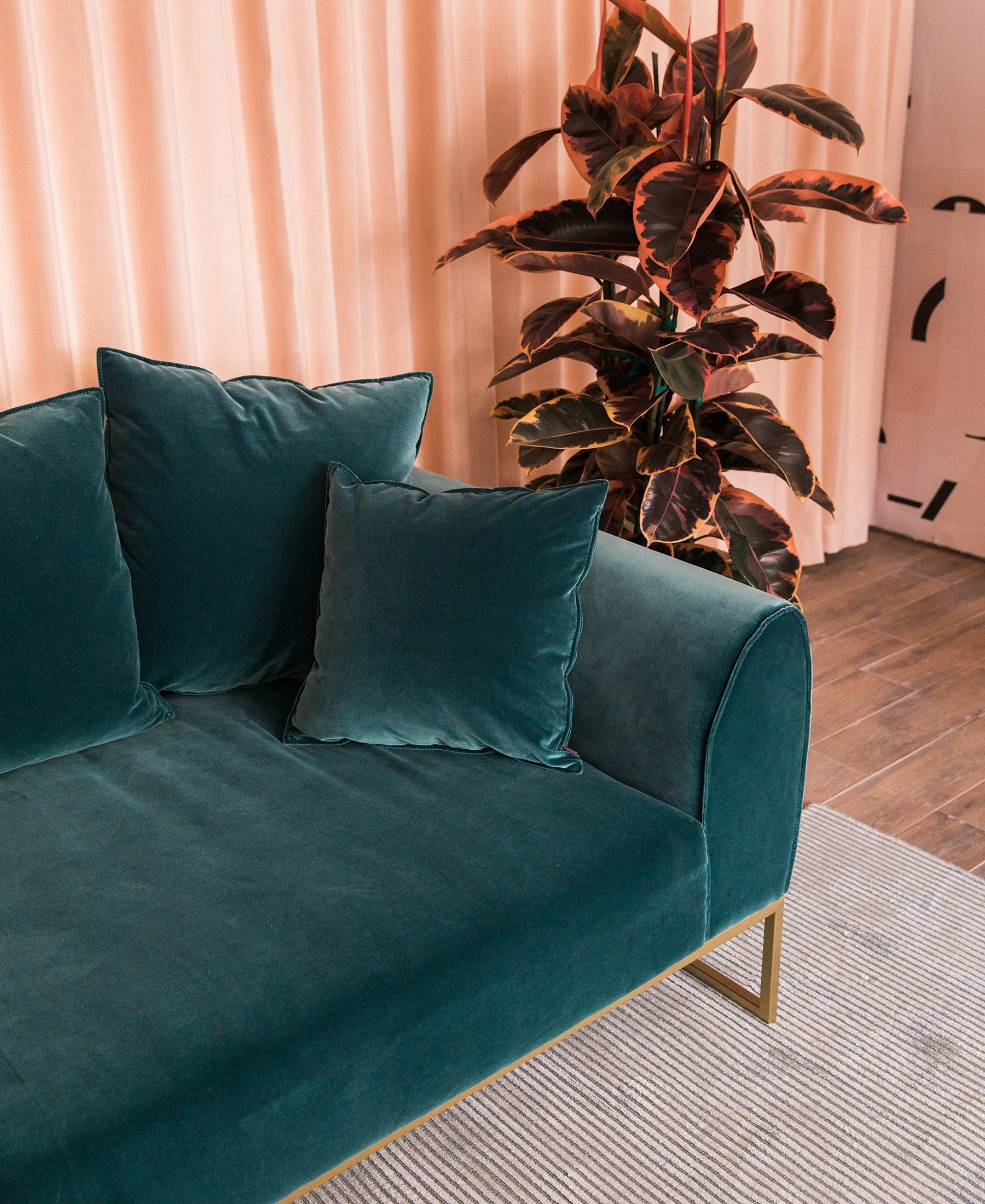 How To Choose A Sofa Color For Your Living Room | Articulate 20+ Mink Coloured Living Room Inspirations