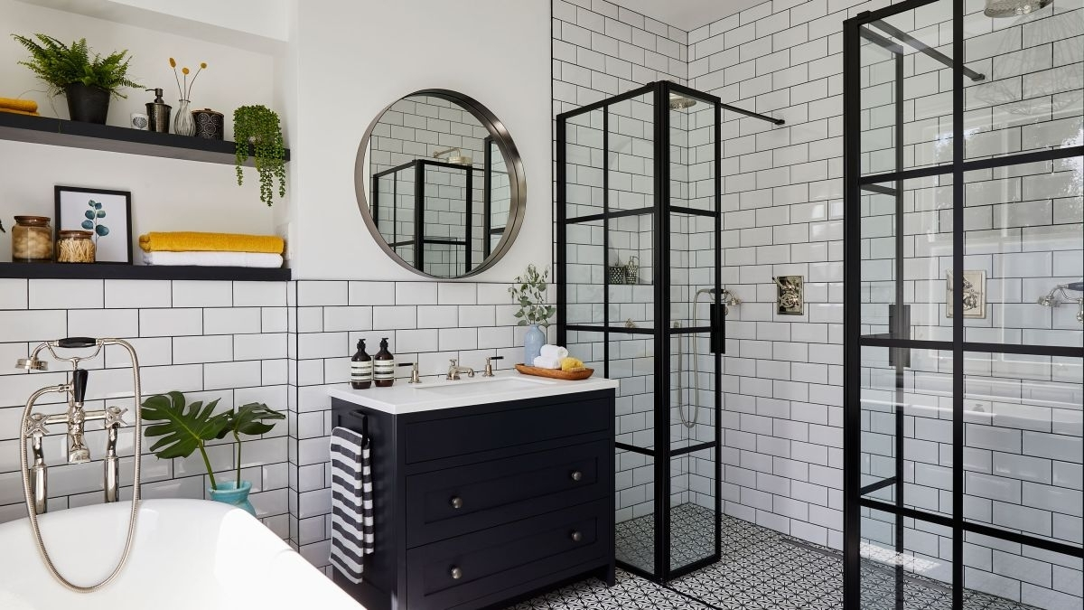 How To Choose Tiles For A Small Bathroom | Real Homes 10+ Bathroom Highlighter Ideas