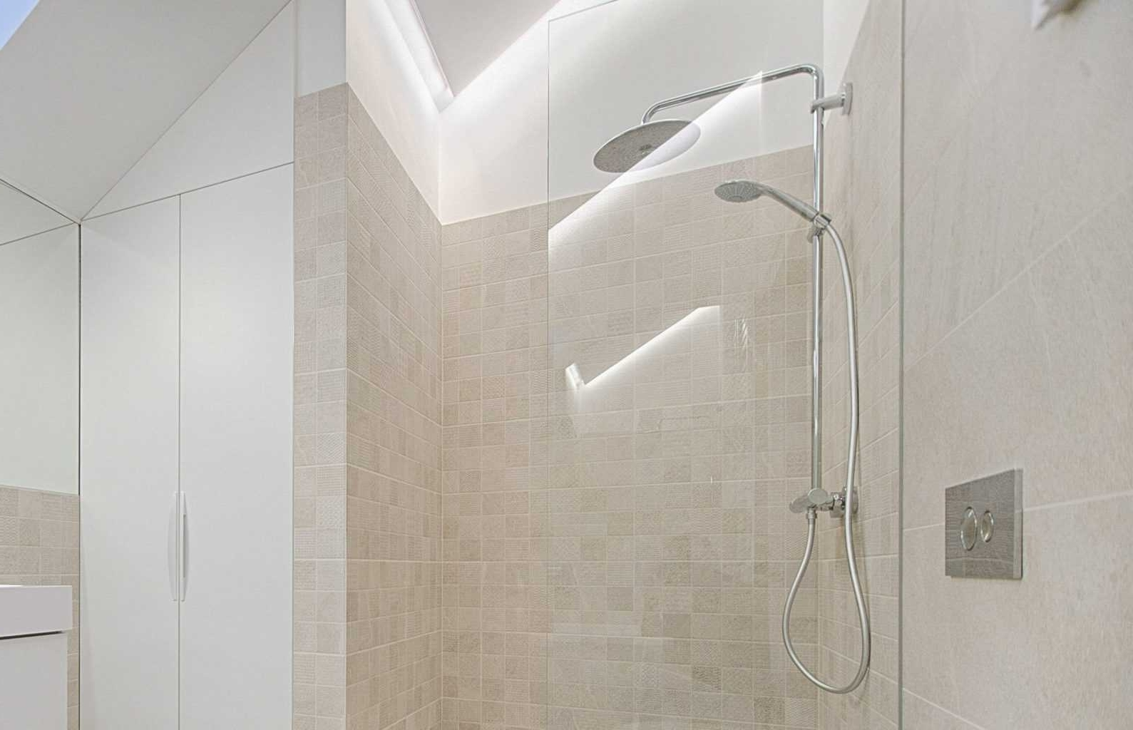 How To Clean A Travertine Shower   Homeviable Travertine Bathroom Shower