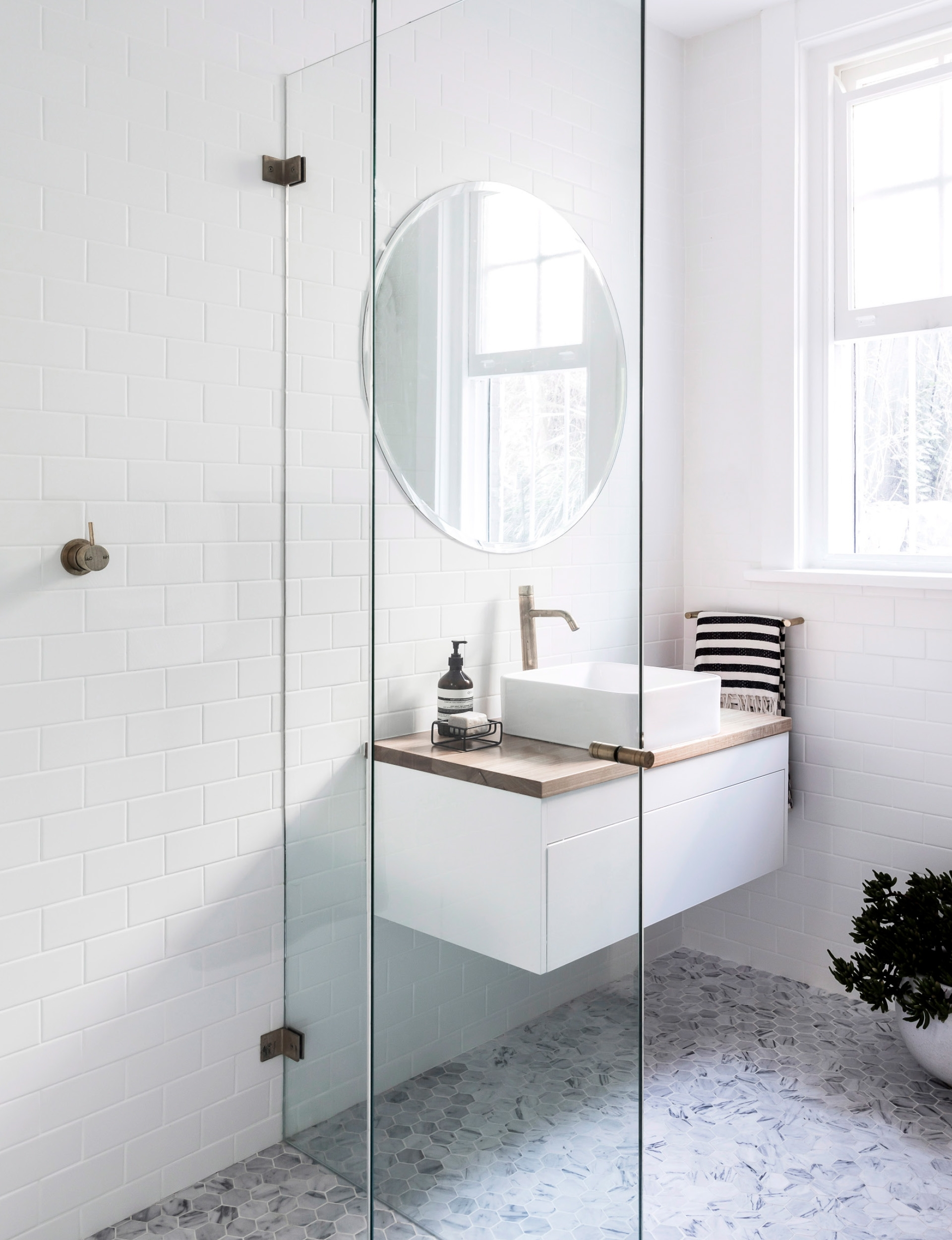 How To Design A Small Bathroom To Make It Feel Bigger 30+ Compact Ensuite Bathroom Designs Ideas
