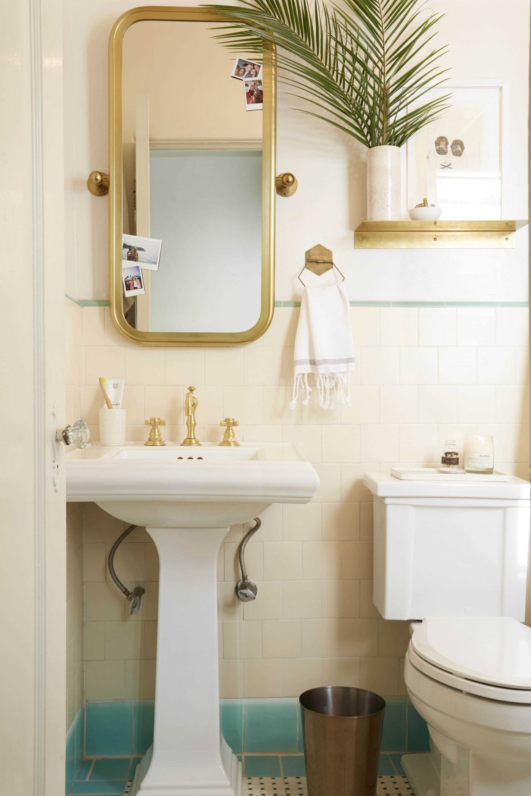 If You Think Your Rental Bathroom Is Beyond Help, This Post 10+ Tiny Rental Bathroom Ideas