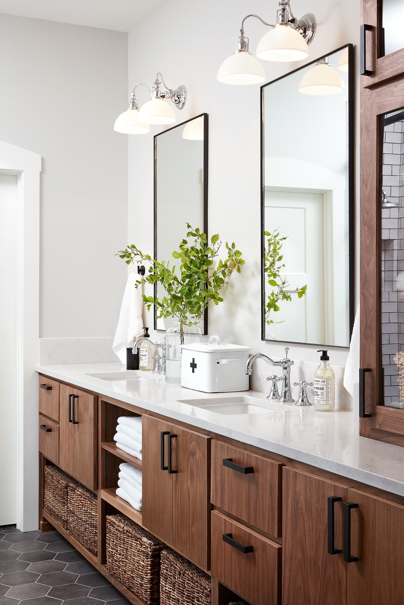 Joanna Gaines Has These Brilliant Tips For Creating The 30+ Fixer Upper Bathroom Design Inspirations