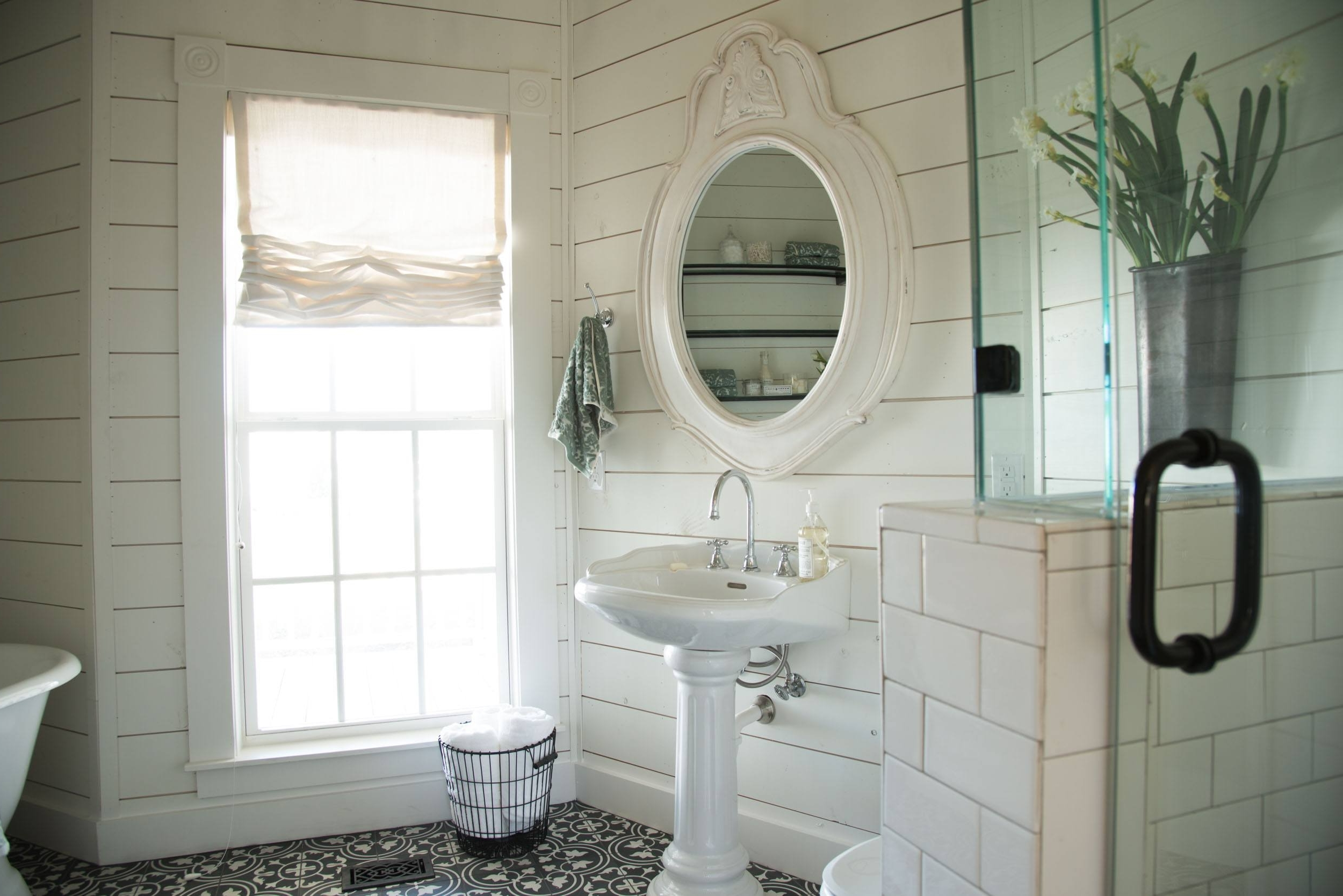 Joanna Gaines Has These Brilliant Tips For Creating The Magnolia Farms Bathroom Designs