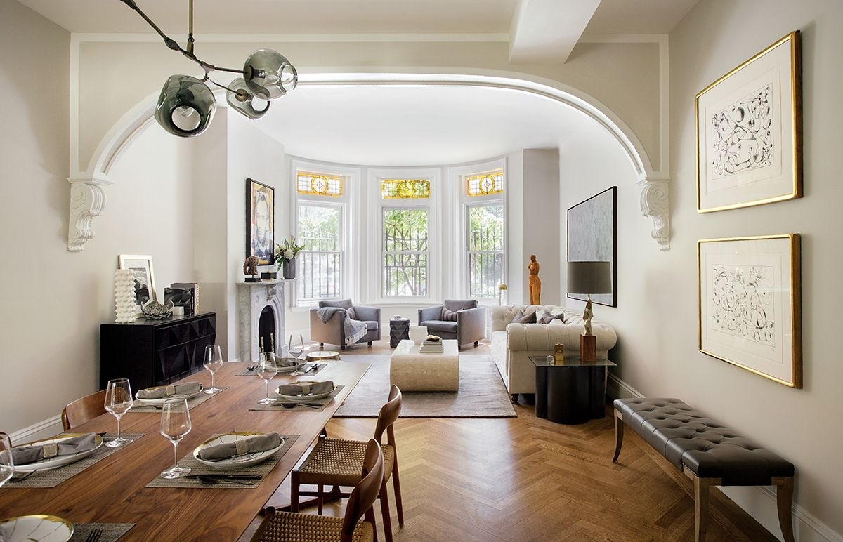 Life Of The Party: 19Th Century Brownstone Makeover Brownstone Living Room Decorating