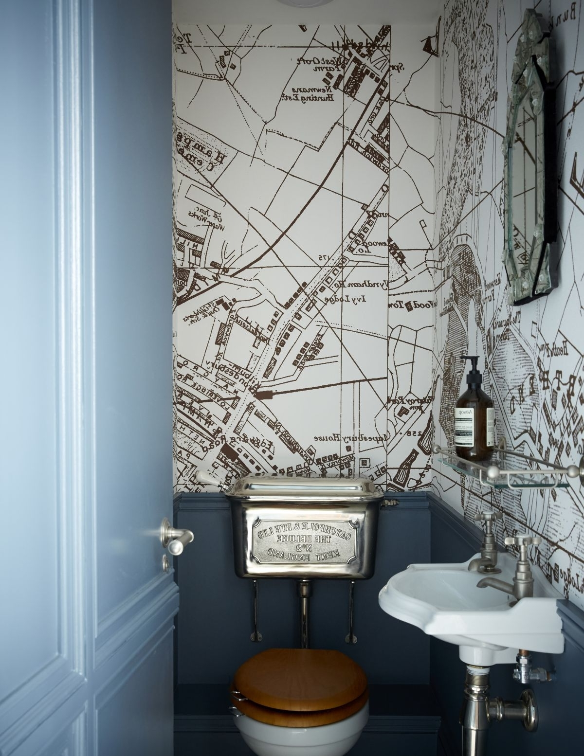 Modern Cloakroom Ideas: Cloakrooms & Powder Rooms Decor 10+ Downstairs Bathroom Wallpaper Inspirations