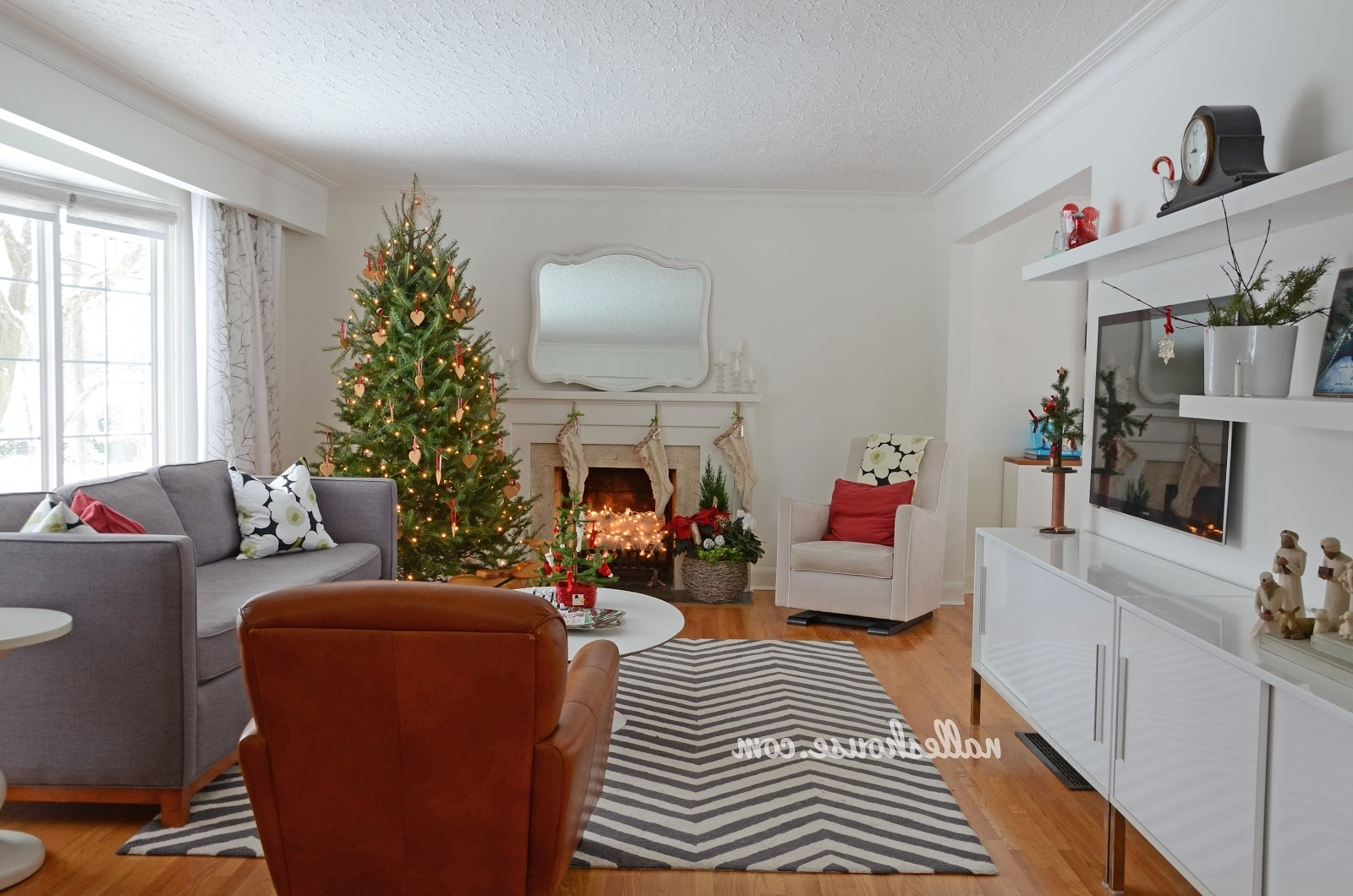 Nalle'S House: Christmas House Tour Dining And Living Room 20+ L Shaped Living Room Dining Room Decorating Inspirations