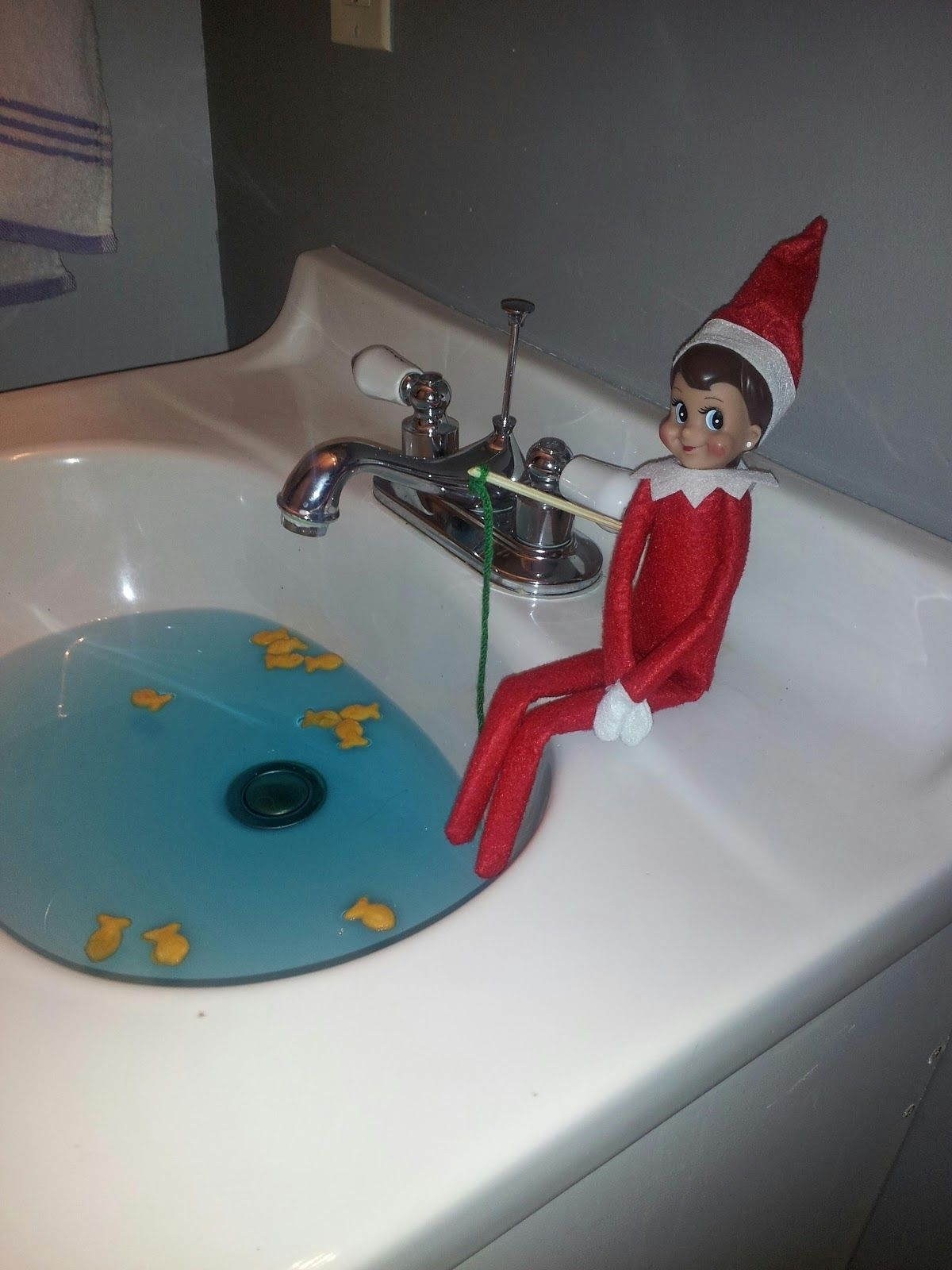 Real Weird: Elf On A Shelf: Day 1 | Elf, Elf Fishing, Shelves 40+ Elf Bathroom Ideas