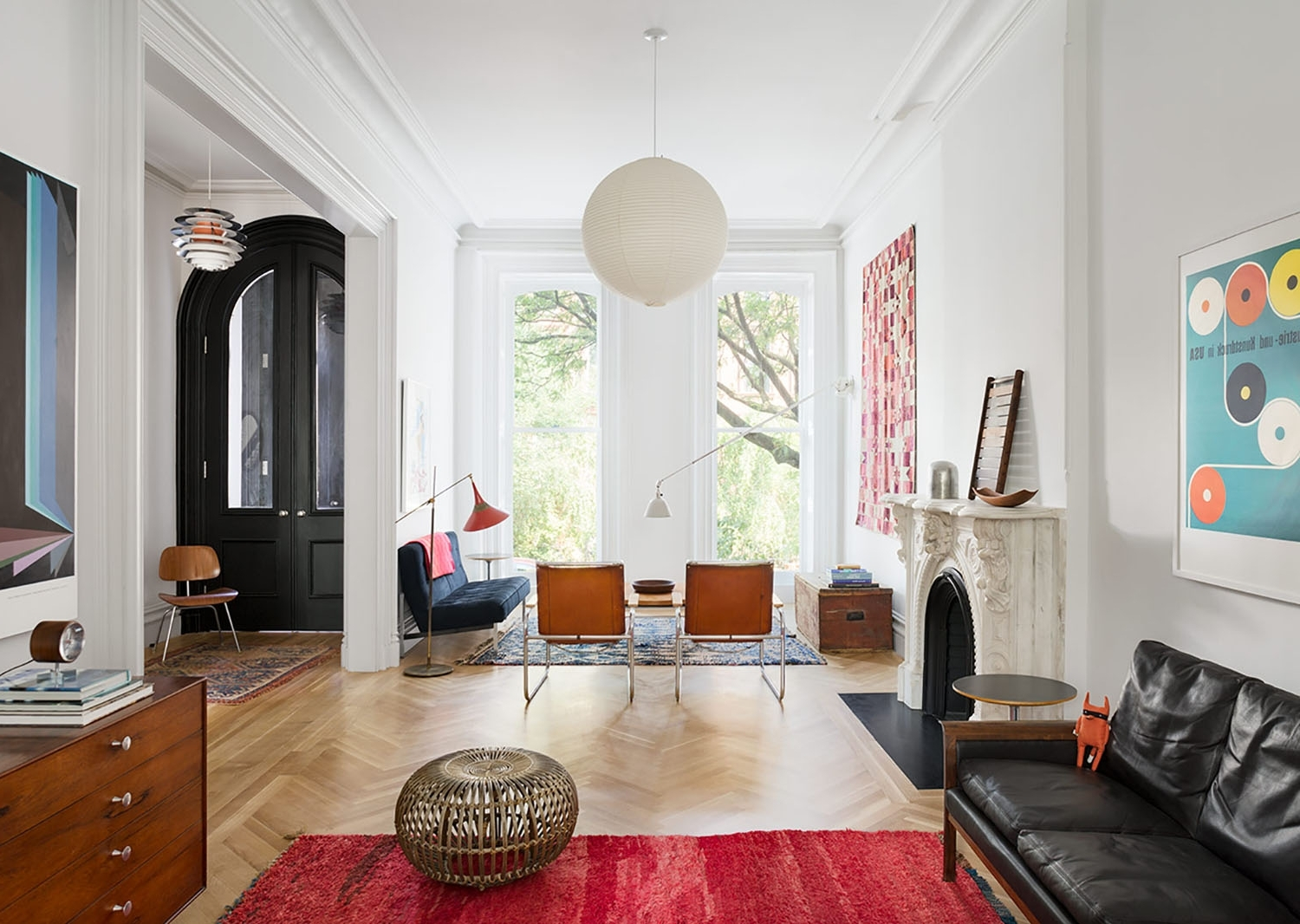 Restored Brooklyn Brownstone House With Fresh Contemporary Brownstone Living Room Decorating