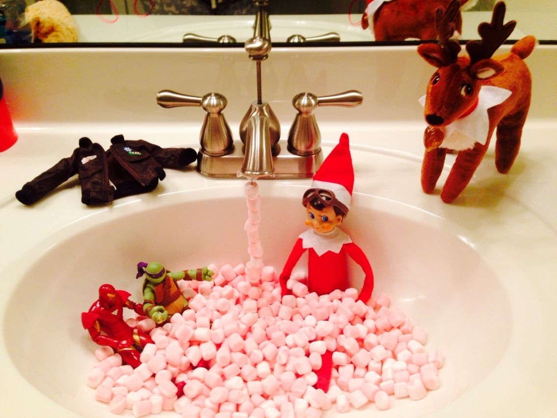 Taking A Little Marshmallow Bath With Buddy The Elf On The 30+ Elf On The Shelf Bathroom Inspirations