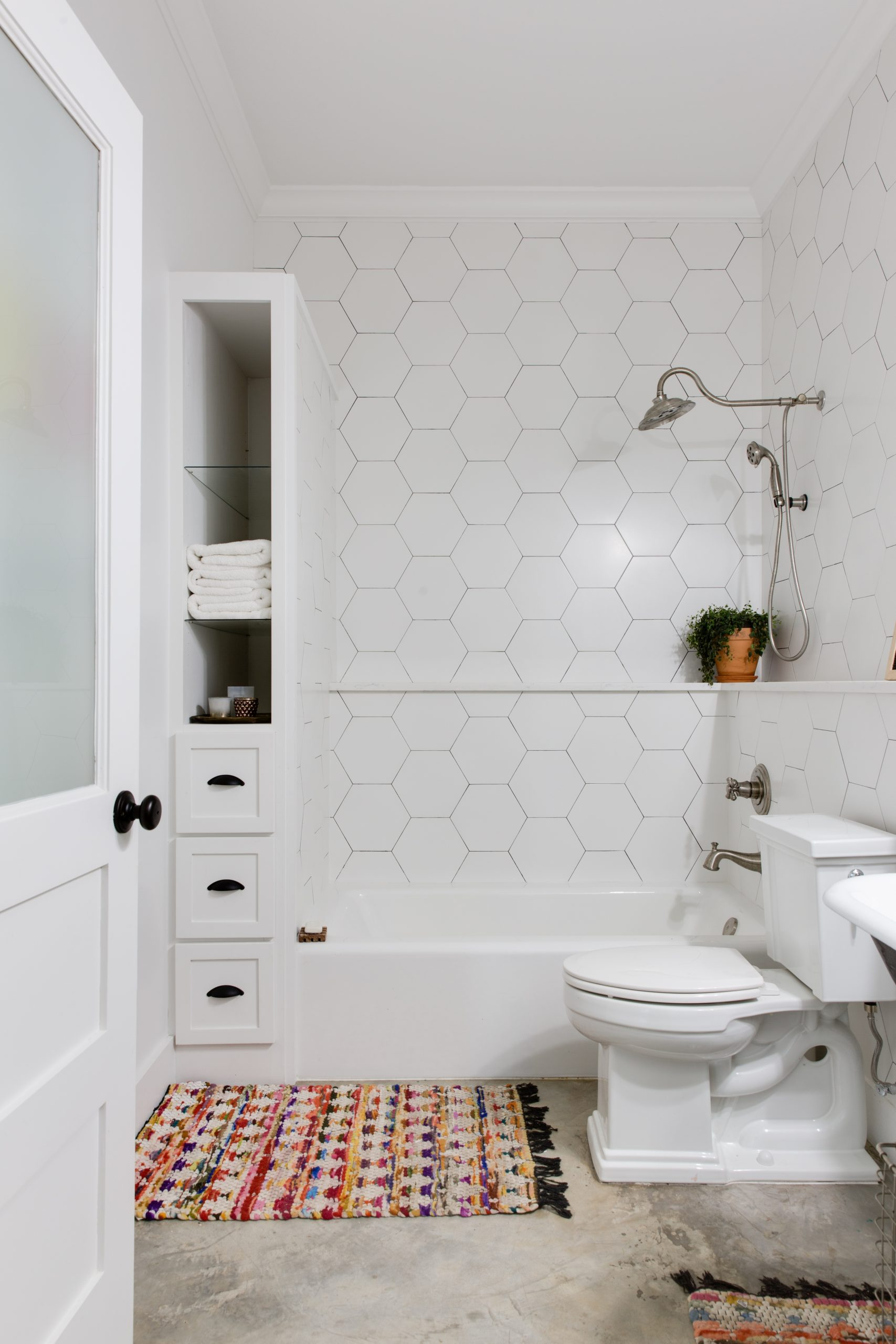 The Best Ways To Brighten Up A Window Free Bathroom Windowless Bathroom Design