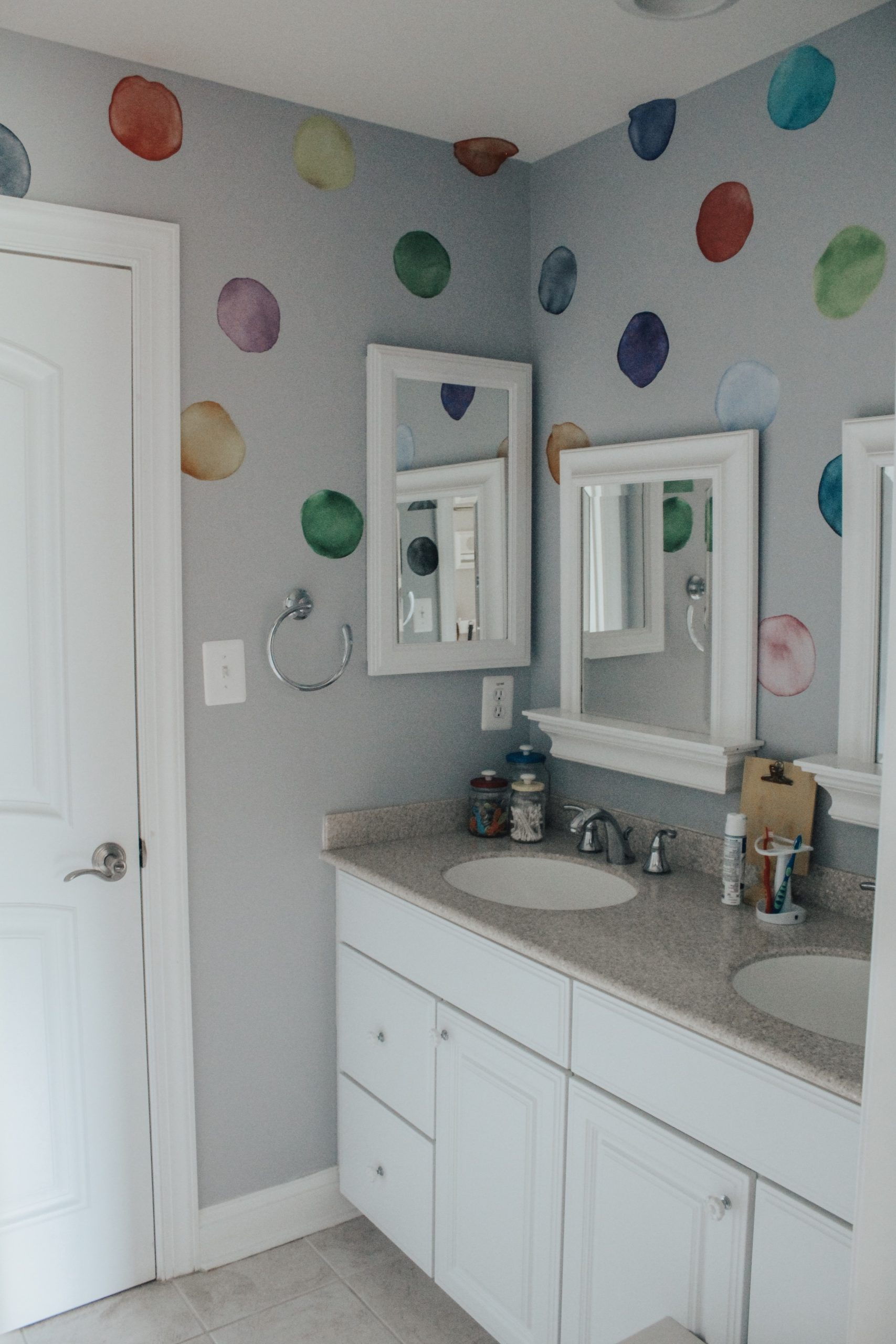 The Home Tour Jack And Jill Bath Queen Of The Beehive Cute Jack And Jill Bathroom
