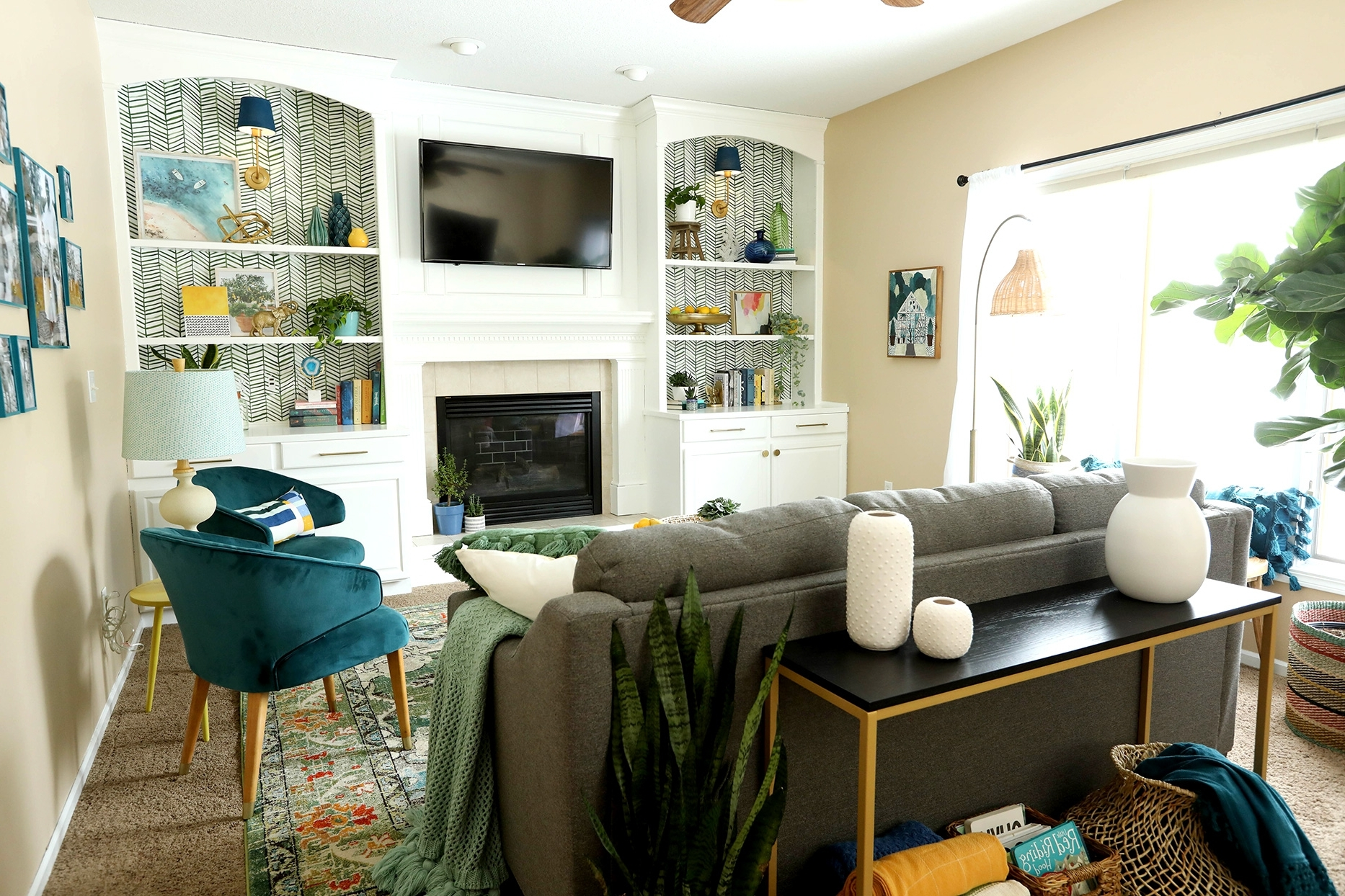This Colorful Living Room Makeover Came Together In Just 60 10+ 60 Minute Makeover Living Room Ideas