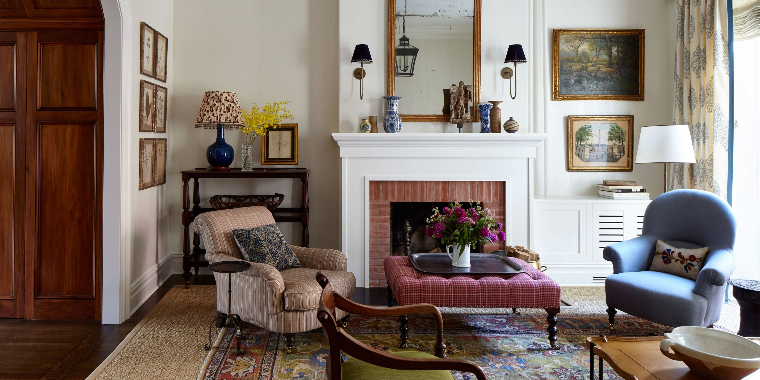 This Greek Revival Brownstone Is The Ultimate Nonurban City Brownstone Living Room Decorating