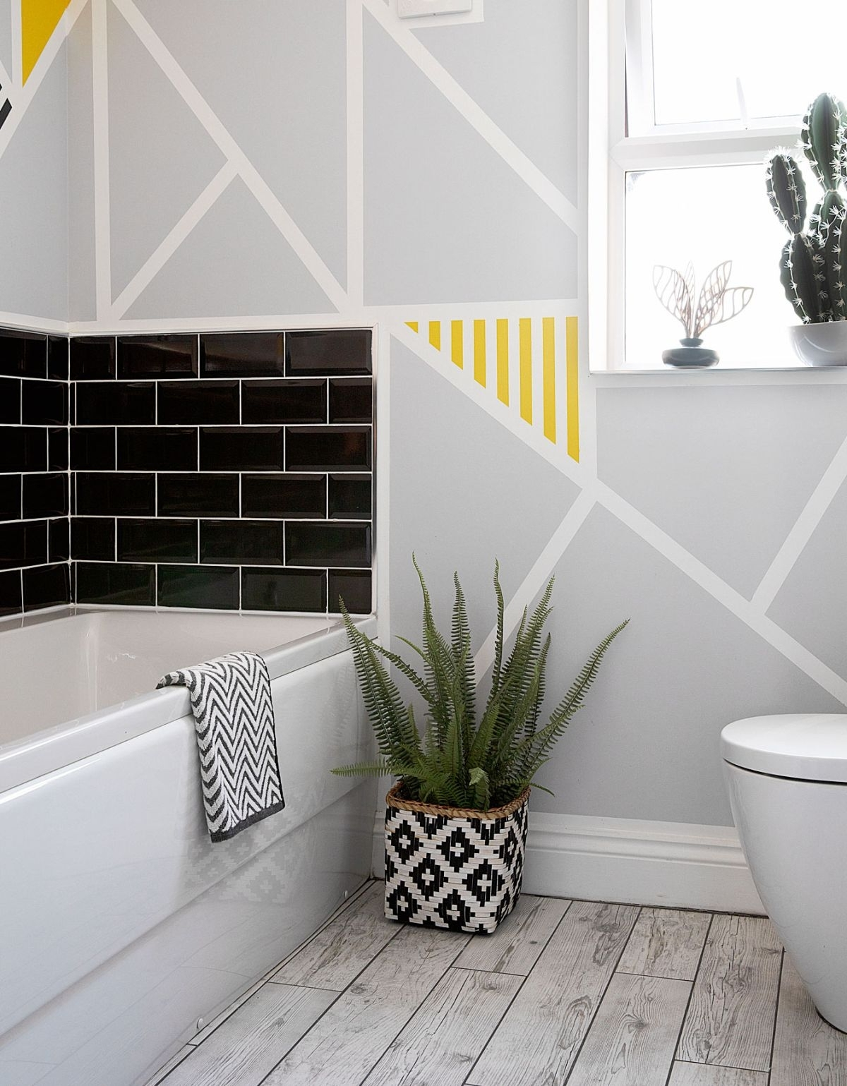 Wall Painting Ideas: 9 Ways You Can Use Paint To Brighten Up 30+ Frog Tape Bathroom Inspirations