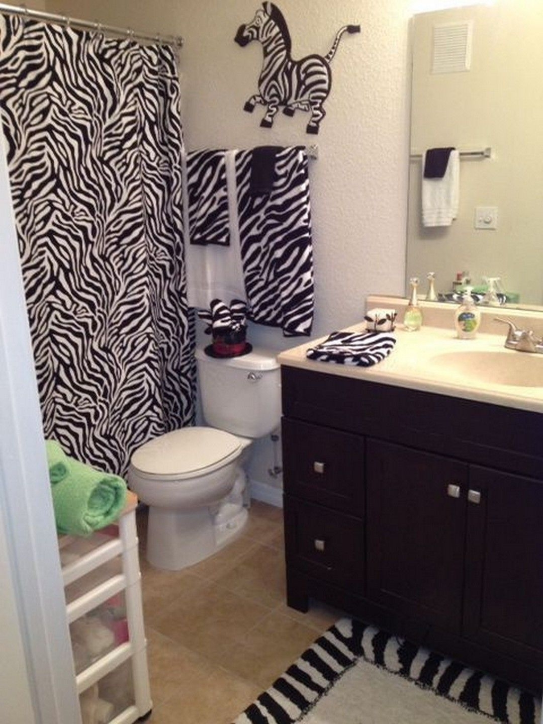 Zebra Theme Bathroom Ideas You Can Manage In Your Own Home Zebra Bathroom Decorating