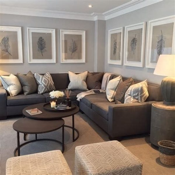 Gorgeous Living Room Sectional Layout Ideas 41