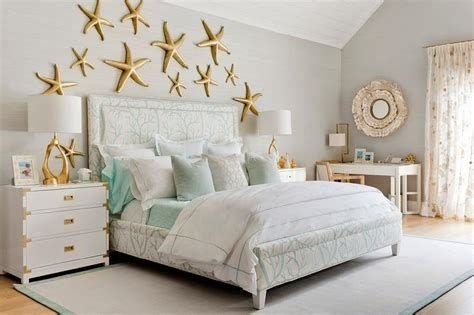 Totally Comfy White And Gold Themed Bedroom Ideas 07
