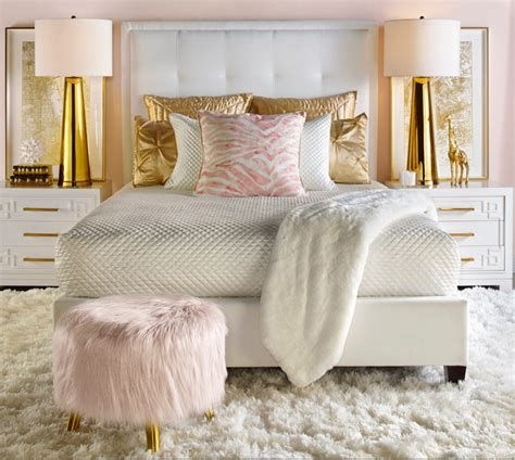 Totally Comfy White And Gold Themed Bedroom Ideas 26