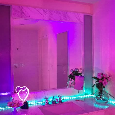 Amazing Aesthetic Rooms With Led Lights Ideas 25