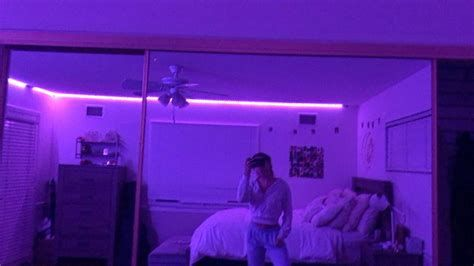 Amazing Aesthetic Rooms With Led Lights Ideas 34