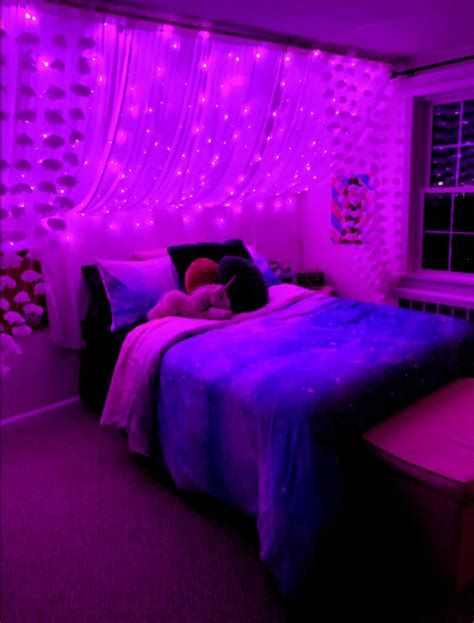 Amazing Aesthetic Rooms With Led Lights Ideas 36