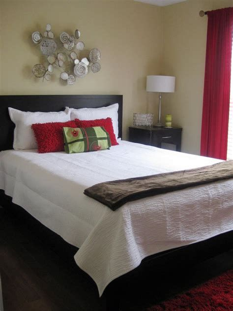 Totally Comfy Simple Bedroom Design For Middle Class Family Ideas 05