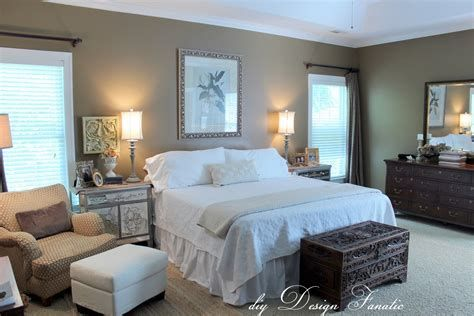 Totally Comfy Simple Bedroom Design For Middle Class Family Ideas 09