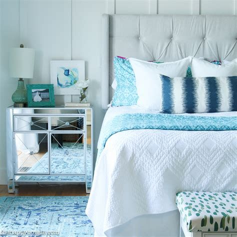 Totally Comfy Simple Bedroom Design For Middle Class Family Ideas 22