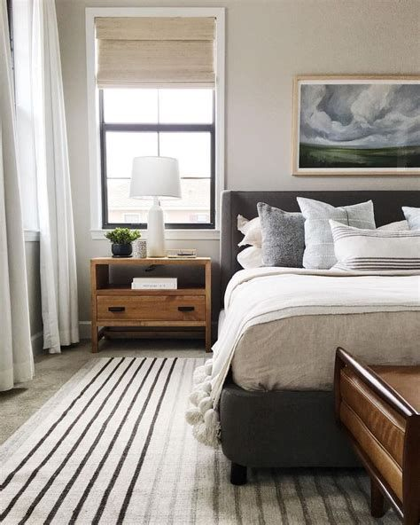 Totally Comfy Simple Bedroom Design For Middle Class Family Ideas 23