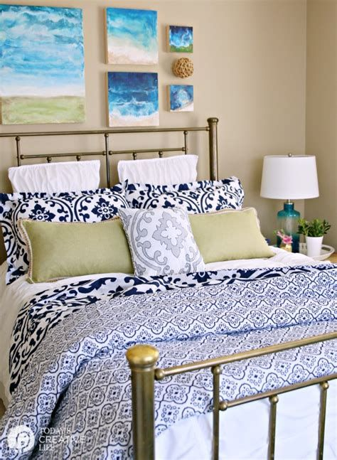 Totally Comfy Simple Bedroom Design For Middle Class Family Ideas 25