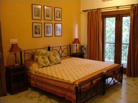 Totally Comfy Simple Bedroom Design For Middle Class Family Ideas 41